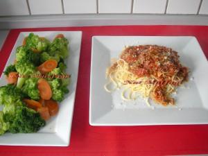 Spagetti Bolognese sosu nasil yapilir kiyma soslu spagetti tarifi