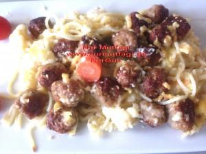 besamel soslu firinda hindi köfteli sebzeli spagetti  (14)