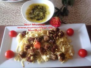 besamel soslu firinda hindi köfteli sebzeli spagetti  (16)
