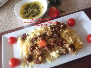besamel soslu firinda hindi köfteli sebzeli spagetti  (17)