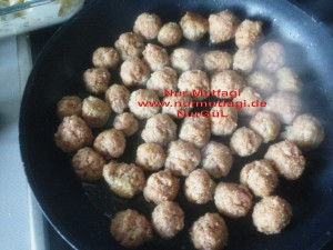 besamel soslu firinda hindi köfteli sebzeli spagetti  (8)