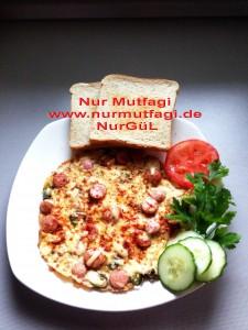 citir sosisli kasarli yumurta pizzasi (4)