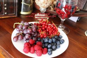 mevsim meyvesi frambuaz yaban mersini üzüm (2)