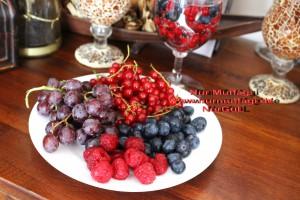 mevsim meyvesi frambuaz yaban mersini üzüm (3)