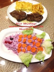 morlahana salatasi et kizartmasi firinda kremali makarna (8)
