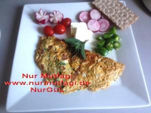omlet sucuklu, soganli sütlü peynirli (2)