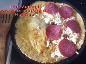 omlet sucuklu, soganli sütlü peynirli (4)