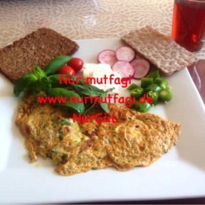 omlet sucuklu, soganli sütlü peynirli (6)