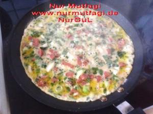 omlet sucuklu, soganli sütlü peynirli (8)