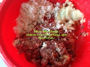 pirincli minik köfteli nohutlu yogurtlu yayla corbasi (1)