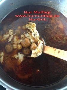 yalanci yuvalak yemegi nohutlu tavuk etli (5)
