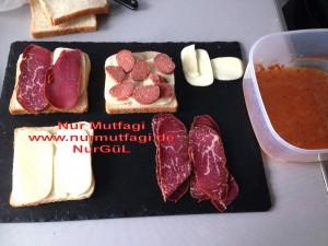 yumurtali tost kizartmasi sucuklu pastirmali kasar peynirli (2)