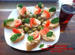 Kahvaltilik dilimler peynirli recelli balikli (2)