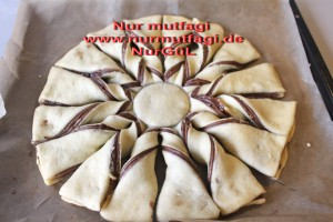 nutellali findikli yildiz cörek (14)