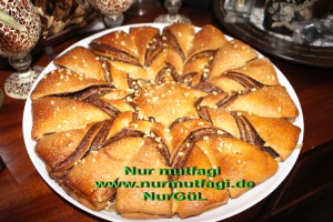 nutellali findikli yildiz cörek (24)