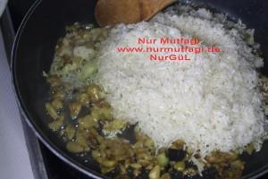 patlicanli pirinc pilavi (4)