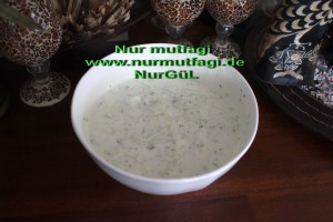 yogurtlu salatalik cacik (4)