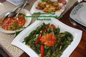 biber kizartmasi domates soslu, citir patates (2)
