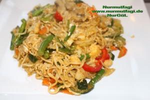 china nudeln sebzeli wok makarna (6)