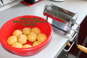 peynirli ispanakli gercek ev yapimi su böregi (1)