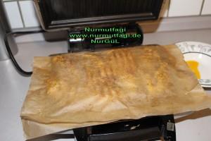 tost makinesinde yagli kagit ile tavuk eti izgara (5)