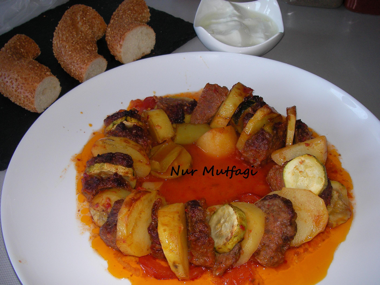 Fırında Köfteli Sebzeli Dizme Tarifi