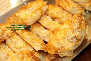 midye börek baklavalik hamurdan peynirli midye böregi (22)