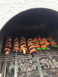 mangalda balcan, sis kebab, tavuk kotelet (1)