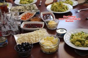 kahvaltilik, tulumpeyniri, patates salatasi, yumurta salatasi