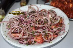 sogan piyazi salatasi