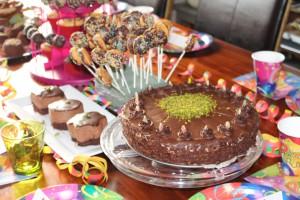 dogum günü masasi, dogumgünü menüsü, party, muffin, pasta, cakepop, topkek, donuts, mousse