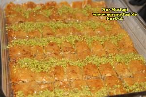 fistikli baklava, cevizli baklava, hazir yufka ile baklava nasil yapilir, citir baklava tarifi (35)