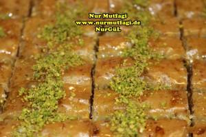 fistikli baklava, cevizli baklava, hazir yufka ile baklava nasil yapilir, citir baklava tarifi (42)