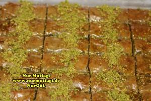 fistikli baklava, cevizli baklava, hazir yufka ile baklava nasil yapilir, citir baklava tarifi (45)
