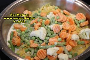 kremali sebzeli makarna tarifi tavada (1)