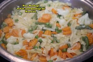 kremali sebzeli makarna tarifi tavada (3)