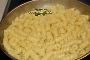 makarna tavada susuz makarna pilav (4)