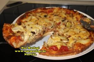 pizza iki cesit tonno sucuklu pizza tarifi (1)