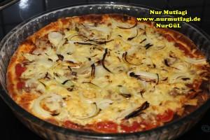 pizza iki cesit tonno sucuklu pizza tarifi (11)