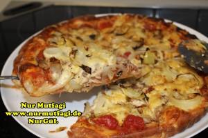 pizza iki cesit tonno sucuklu pizza tarifi (2)