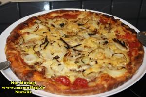 pizza iki cesit tonno sucuklu pizza tarifi (5)
