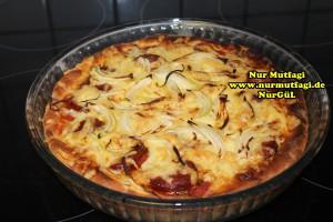 pizza iki cesit tonno sucuklu pizza tarifi (9)