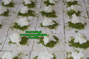 Söbiyet tatlisi - fistikli söbiyet baklava tarifi - el acma söbiyet nasil yapilir tarifi (17)