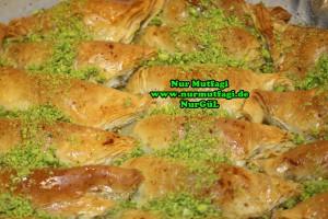 Söbiyet tatlisi - fistikli söbiyet baklava tarifi - el acma söbiyet nasil yapilir tarifi (35)