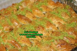Söbiyet tatlisi - fistikli söbiyet baklava tarifi - el acma söbiyet nasil yapilir tarifi (37)