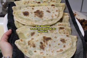 mayasiz ekmek tavada mayasiz peynirli gözleme tarifi (6)