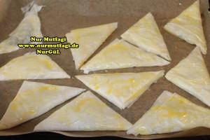 ücgen citir börek - peynirli ücgen börek - nutellali citir börek tarifi  (14)