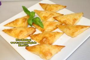 ücgen citir börek - peynirli ücgen börek - nutellali citir börek tarifi  (18)