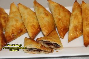 ücgen citir börek - peynirli ücgen börek - nutellali citir börek tarifi  (32)