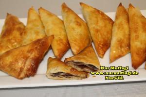 ücgen citir börek - peynirli ücgen börek - nutellali citir börek tarifi  (33)